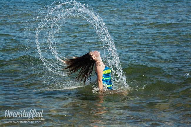 Beach photo pose idea—the Pinterest hair flip