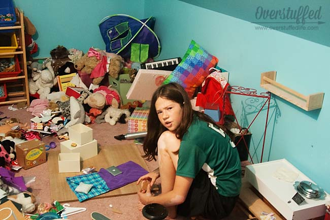 Kids have a tough time keeping things organized without extra help—how to best help them organize their toys.