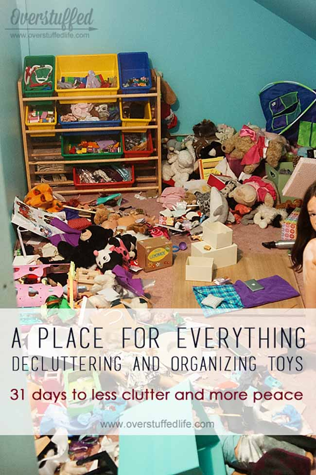 declutter toys | dealing with toy clutter | organizing toys | how to organize toys | how to declutter playroom | organized toy room | keep the toys organized and orderly | clutter-free toys | donate toys
