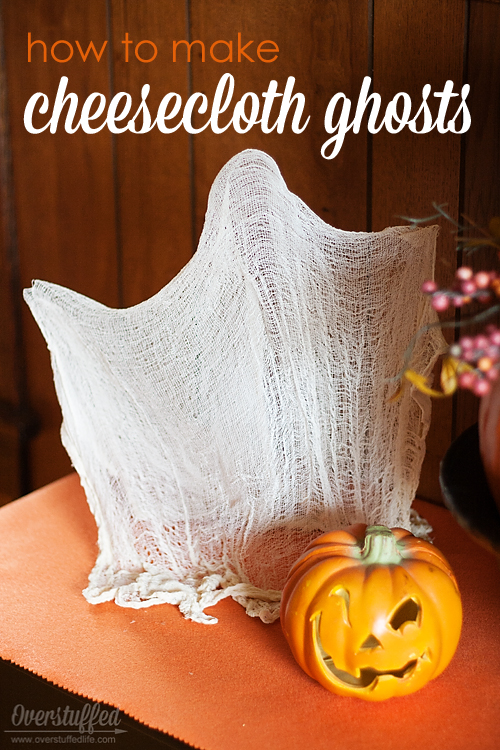 Make these adorable ghosts for Halloween using items you most likely already have around the house