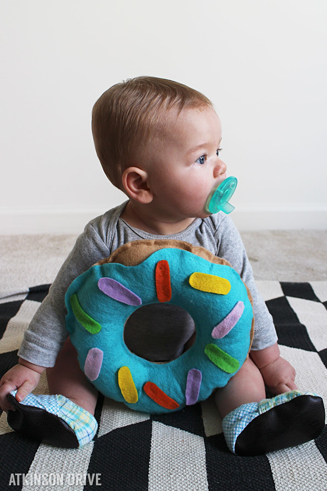 No sew baby donut Halloween costume