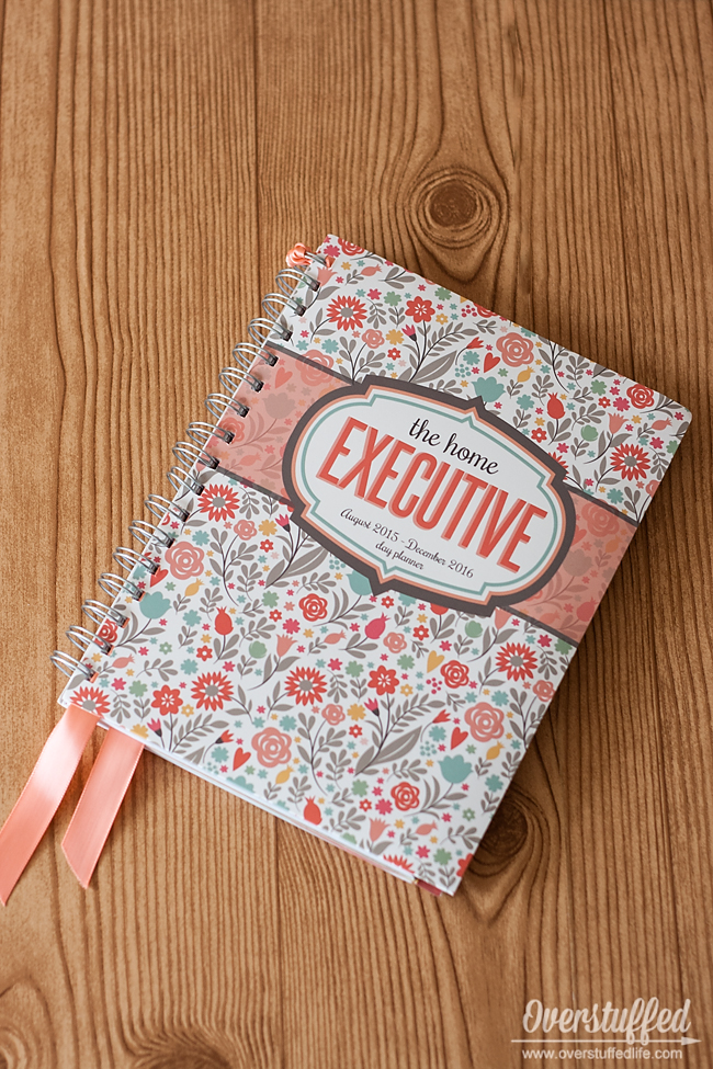 Home Executive Planner--a perfect gift for the mom who does it all.