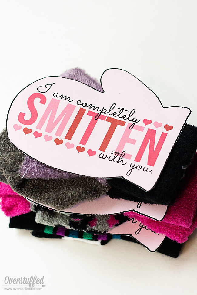 Use this fun Valentine idea with a gift of mittens this Valentine's Day! Free printable download.