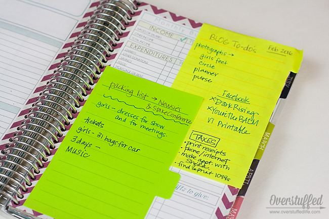 Tabbed sticky notes are a great way to better organize your paper planner. #overstuffedlife