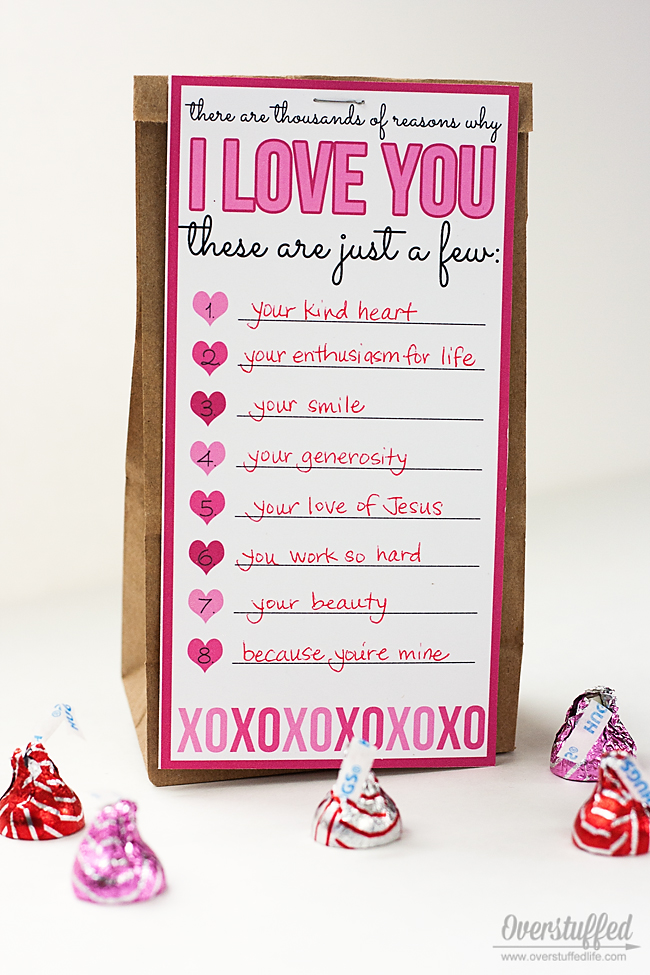 List the things you love about your sweetheart with this super sweet Valentine's Day Love List printable. #overstuffedlife