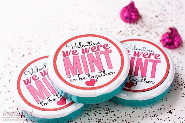 """Using the round Ice Breakers mint containers, make this cute Valentine's Day gift for anyone you're """"mint"""" to be with! Free printable download. #overstuffedlife"""