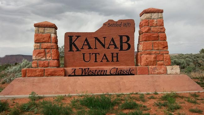 Southern Utah travel | Family Vacation | Kanab, Utah | Grand Canyon | Zion National Park | Bryce Canyon | Duck Creek | Near Cedar City | Lake Powell | Grand Canyon | Heritage House Museum | Best Friends Animal Sanctuary | Coral Pink Sand Dunes | Grand Staircase