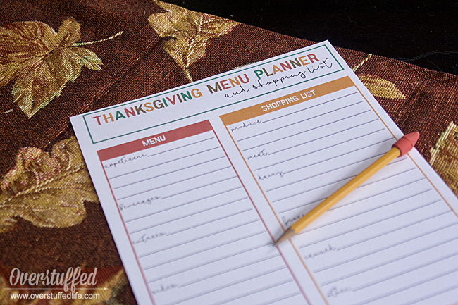 Use this free printable Thanksgiving menu planner and shopping list to stay organized for Thanksgiving dinner.