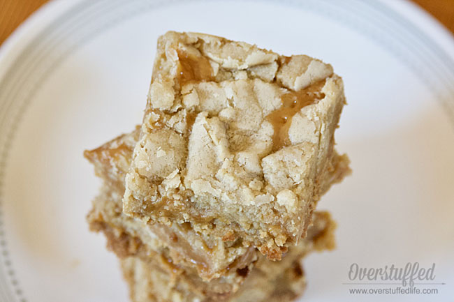 These gluten-free salted caramel cookie bars are to die for!