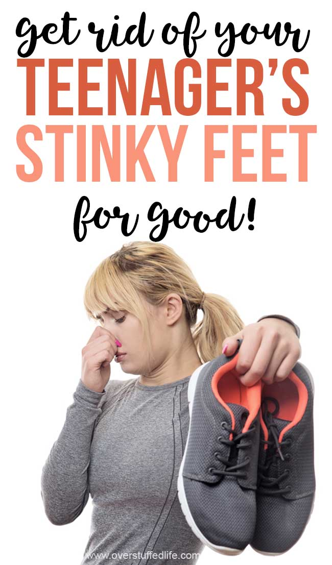 Do you or your kids have HORRIBLE FOOT ODOR? Smelly feet can be super hard to get rid of, but here are several ways that you can get rid of the stinky feet for good—most of them you probably already have in your house.